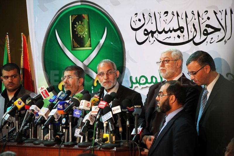 1334659004-muslim-brotherhood-endorses-khairat-alshater-for-president-egypt_1135699.jpg
